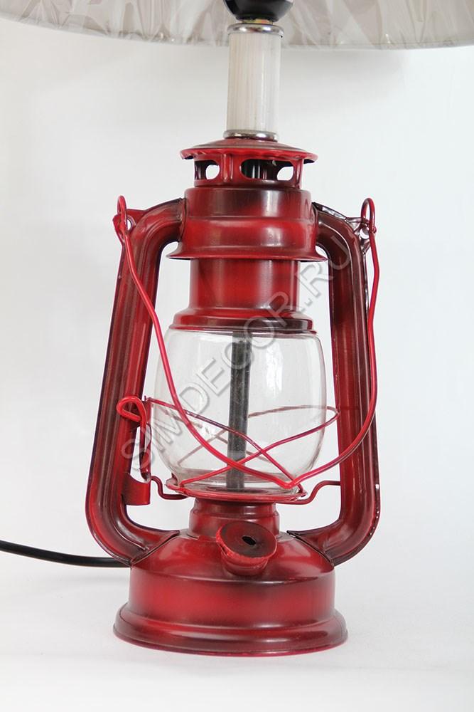 Винтажная настольная лампа в виде керосинки в категории